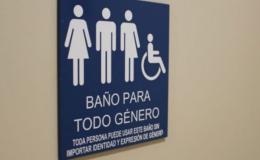 Argentina. Ayacucho. Escuela habilita baño que respeta la identidad degénero.